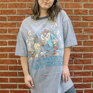 -new arrival- vintage looney tunes graphic tee